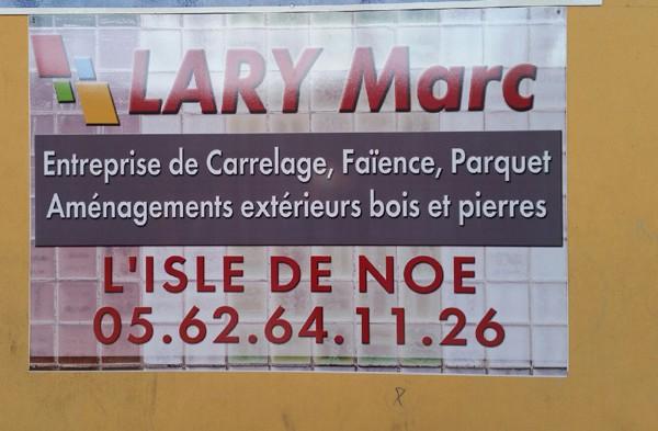 Panneau Publicitaire Adhésivé à Mirande